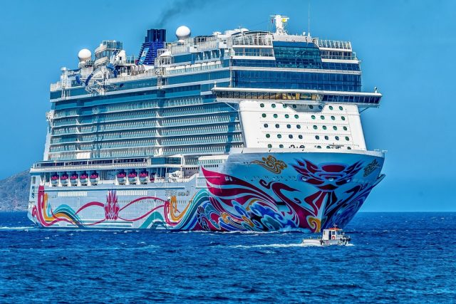 My top 3 cruise line entertainment